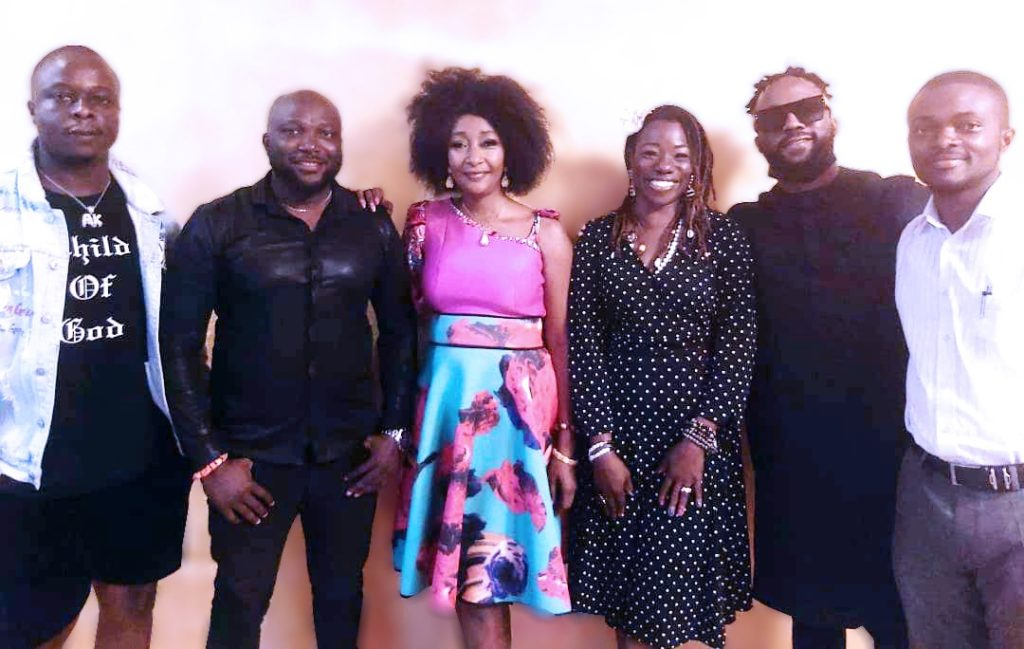Iyanya crew with ACHA President and the team